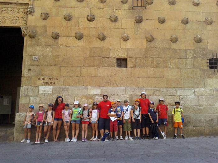 Visita Salamanca grupo niños campamento