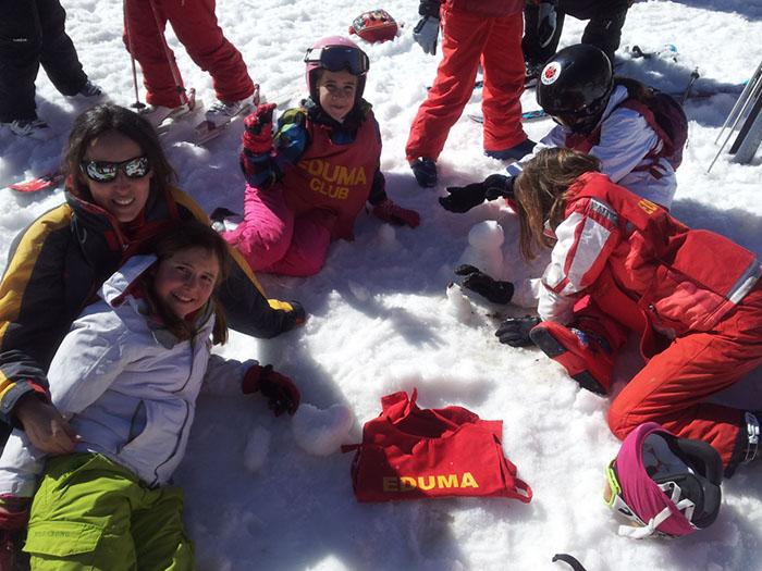 Cursillo ski sábados 2014. La Pinilla. Jugando en la nieve