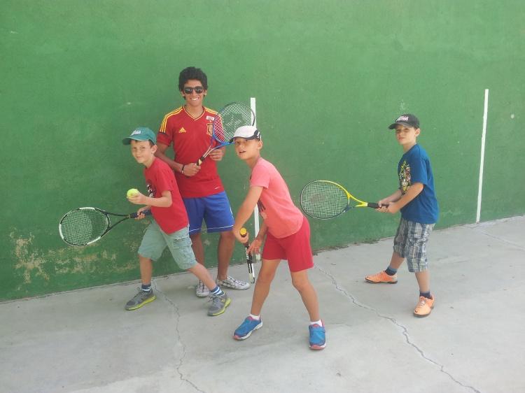 Raquetas. Deportes en campamentos