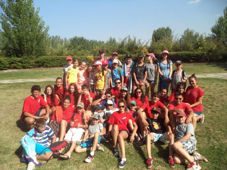 Grupo de niños y monitores del campamento de Salamanca