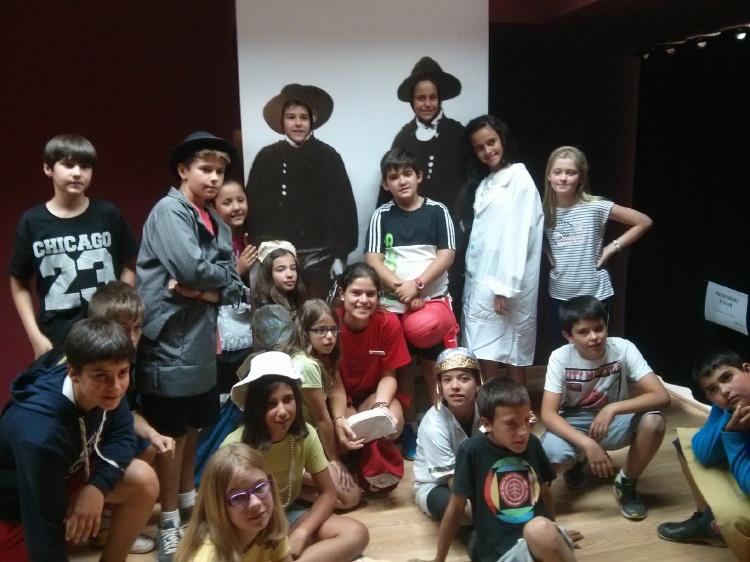 Visita niños Museo del comercio campamento Salamanca