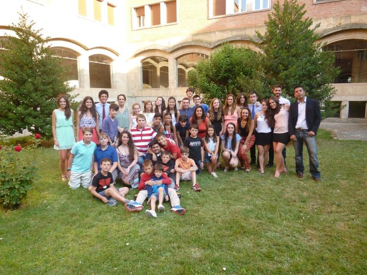 Grupos de niños del campamento de Salamanca