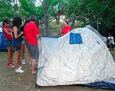 Tiendas. Campamento de verano de inglés o francés en Salamanca. Julio
