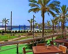 Club náutico. Campamento de verano en la playa en Aguilas, Murcia. España. Colonia en julio y agosto