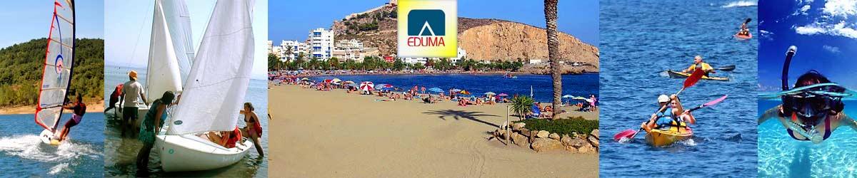 campamento de verano en la playa en Murcia, España. Colonia nautica.