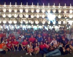 Visita a Salamanca por la noche en julio. Actividades para niños en la Colonia de verano.