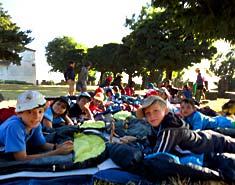 Campamento de verano en Segovia, Riaza, España. Tiendas La Casona del Valle. Madrid..