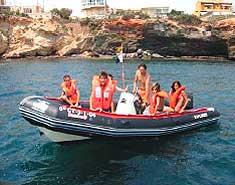 Zodiac. Campamento de playa Aguilas, Murcia, España. Colonia náutica.