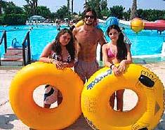 Excursión al parque acuático en verano. Colonia de verano en julio y agosto en Aguilas, Murcia, España.