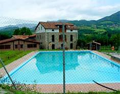 Instalaciones del campamento multiaventura en Asturias, España, Picos de Europa. Verano. Julio
