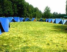 Campamento de verano en Madrid. Tiendas. Lozoya