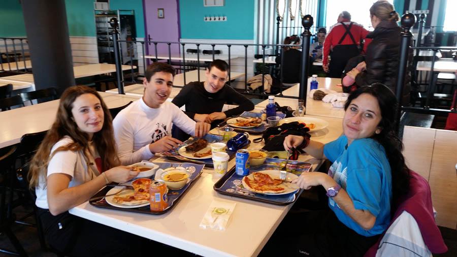 Comiendo grupo estación