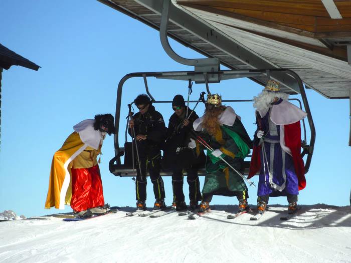 Curso de esqui en Formigal, reyes 2015. Los Reyes Magos esquiando