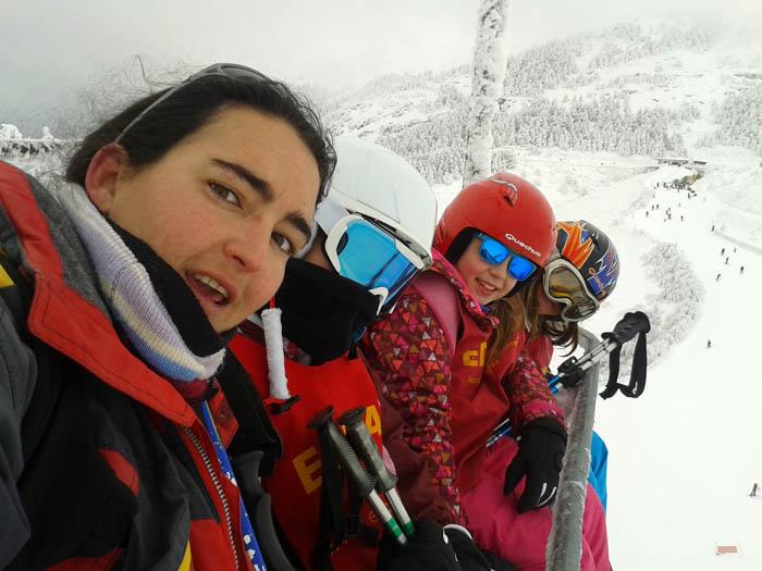 Curso ski sábados 2015. En el telesilla