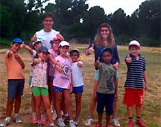 Beneficios y ventajas de un campamento de verano para niños (y padres)