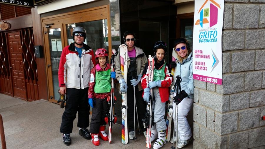cursos de esquí, ski andorra, pas de la casa, grandvalira, Andorra, aprender a esquiar, skiar, ofertas de ski. Estudios y apartamentos a pie de pistas
