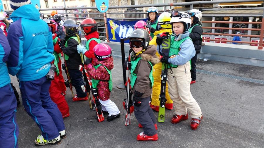 cursos de esquí, ski andorra, pas de la casa, grandvalira, Andorra, aprender a esquiar, skiar, odertas de ski. Estudios y apartamentos a pie de pistas