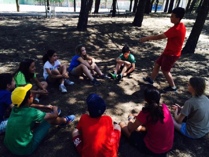 Niños campamentos inglés y francés