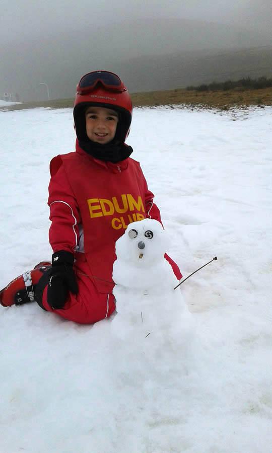 Clases de ski en grupo familias y niños