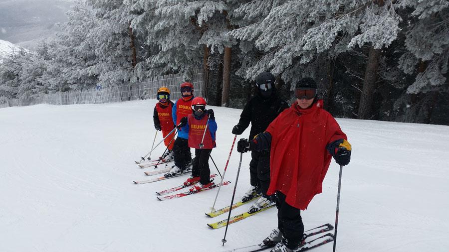 ski en Madrid. La Pinilla. Aprender a esquiar con clases