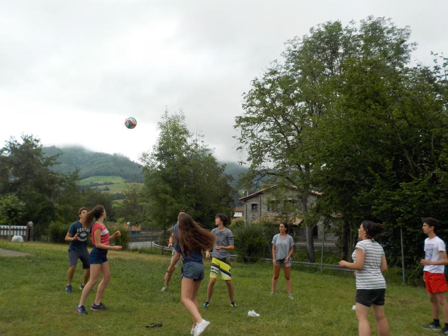 Juegos deportivos niños campamentos