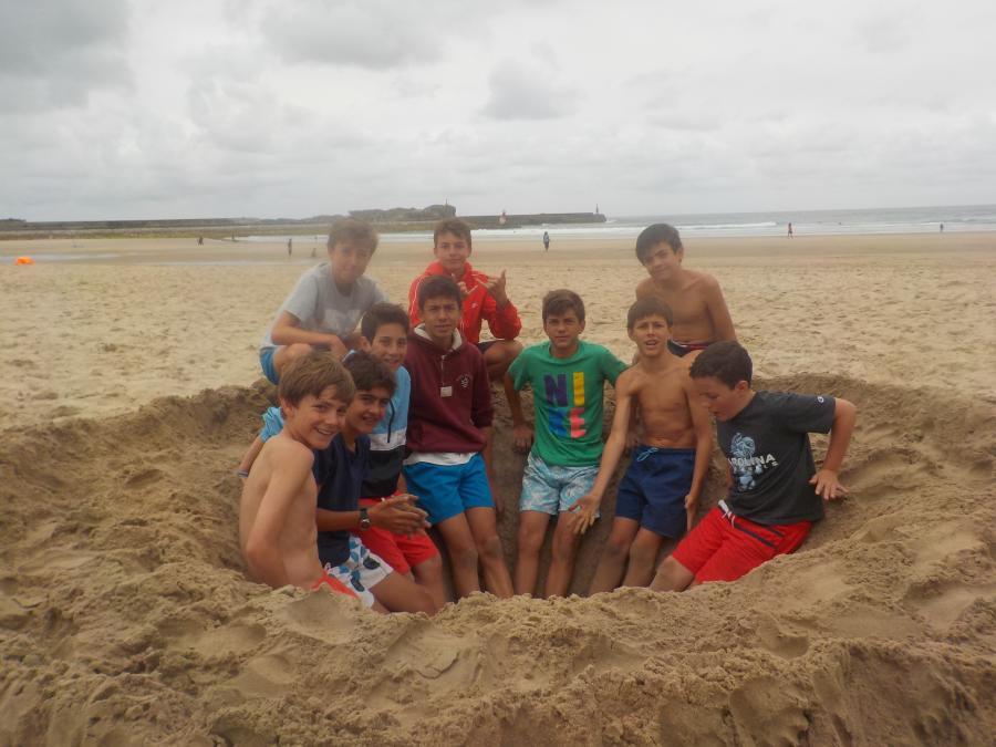 Dia de playa en Asturias niños