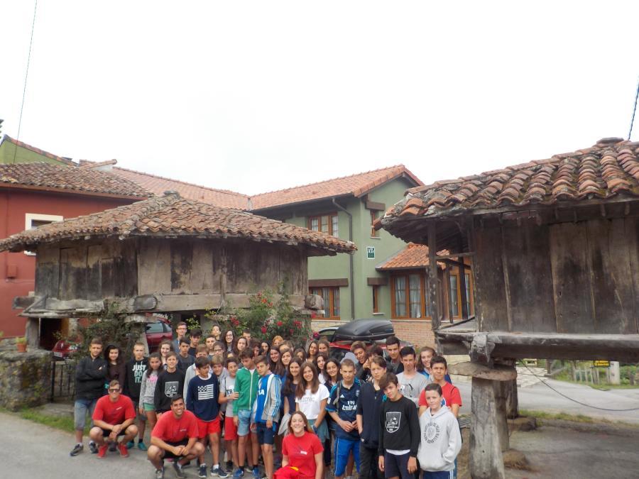 Visita pueblo campamento Asturias