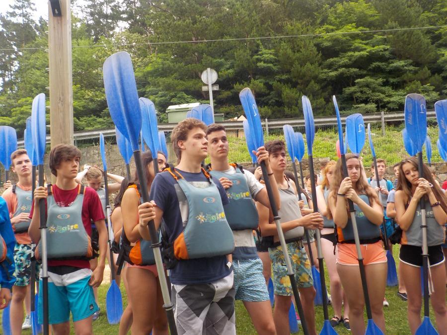 Piragua en Campamento de multiaventura