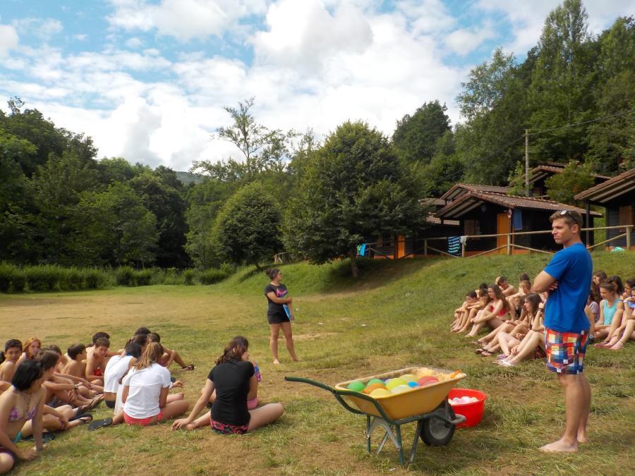 Juegos en campamento Multiaventura en Asturias
