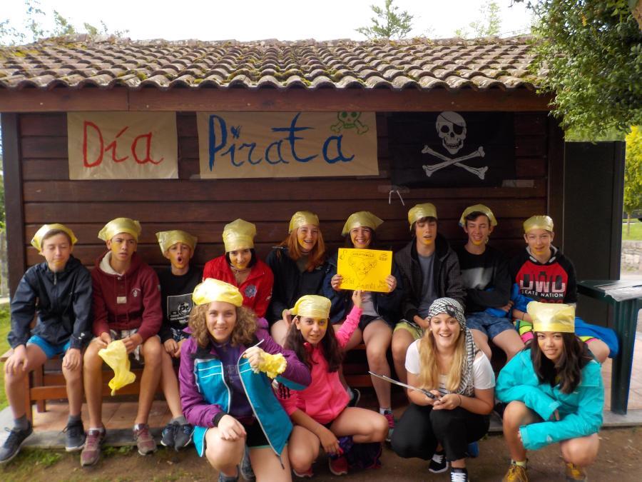 Grupos de niños del campamento