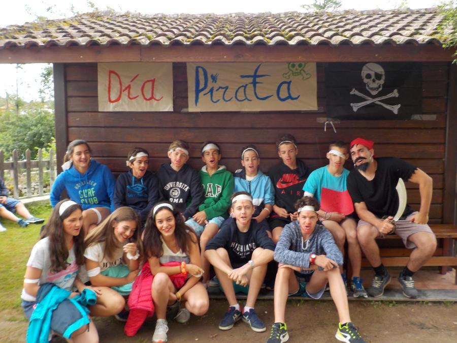 Campamento de multiaventura en Asturias día pirata grupo rojo