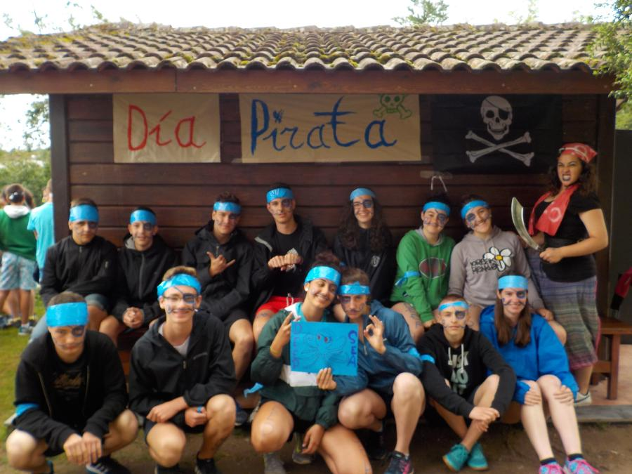 Campamento de multiaventura en Asturias dia tematico grupo azul
