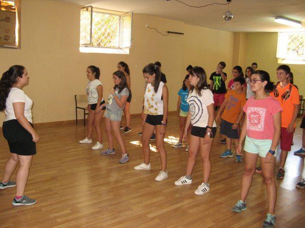 Baile en el curso intensivo de inglés de Salamanca