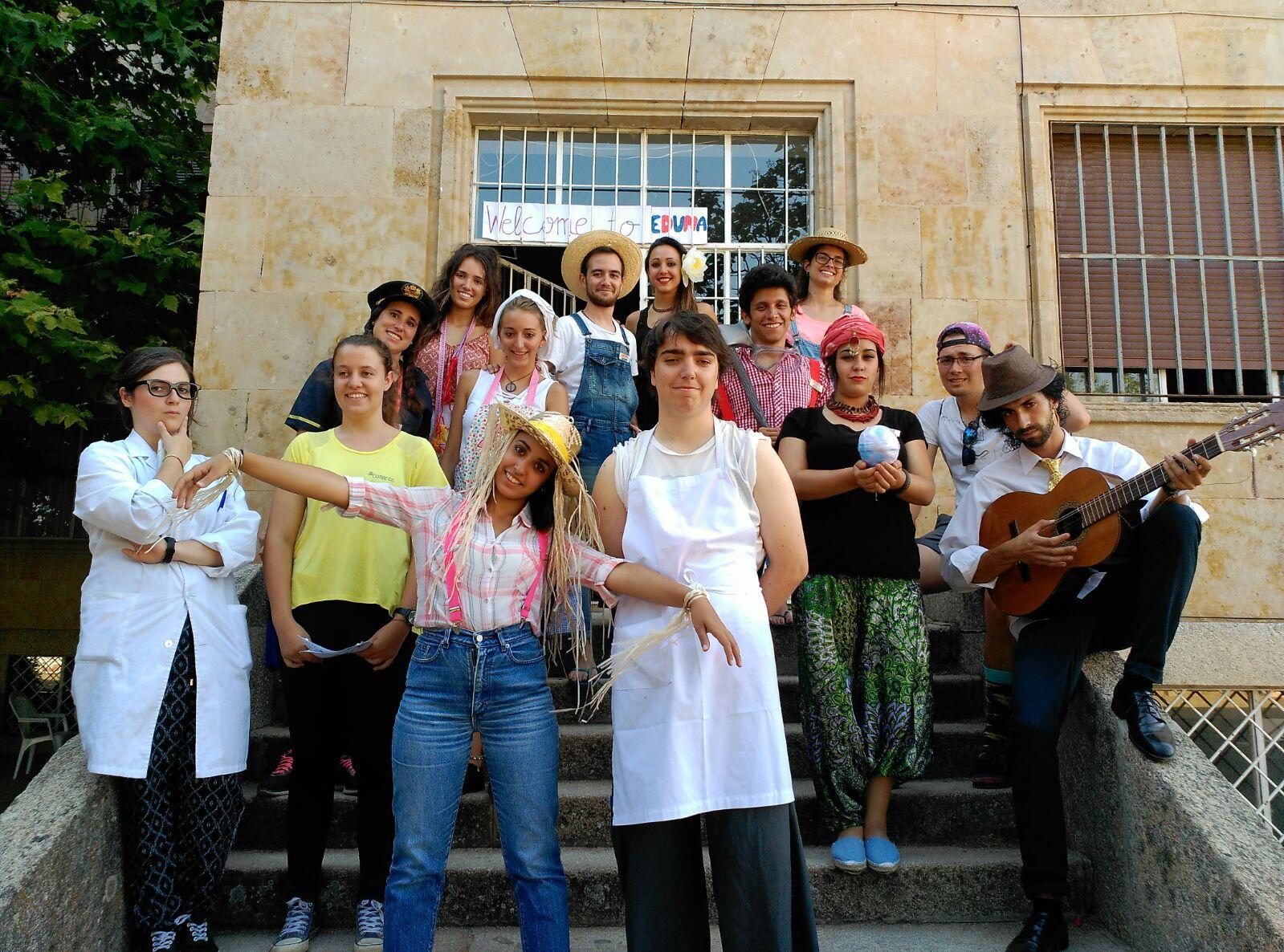 Campamento Residencial Salamanca con idiomas: monitores disfrazados