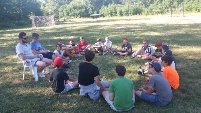 dinamicas de grupo en el campamento con inglés de riaza