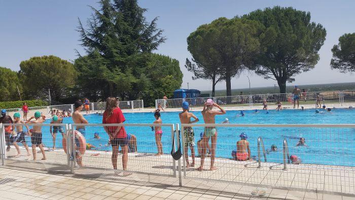Excursión a Cuellar y piscina. campamento de verano con idiomas en Riaza