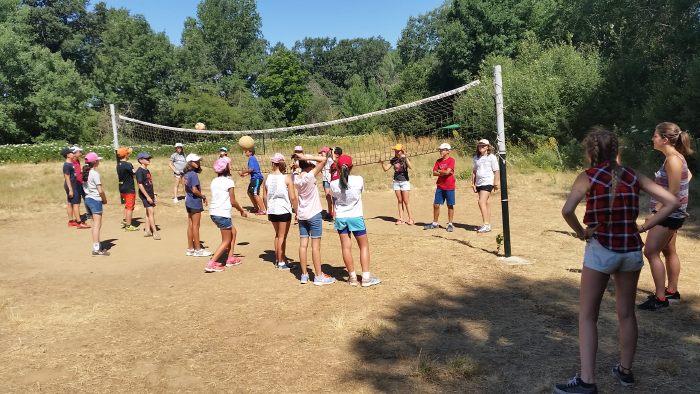 DEportes en el campamento con idiomas de Riaza, Segovia