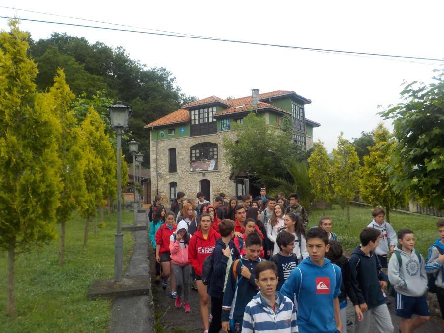 Excursión en el campamento Multiaventura Asturias