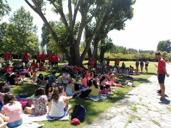 Excursión a la piscina de los grupos de quincena con inglés y curso intensivo de inglés en Salamanca