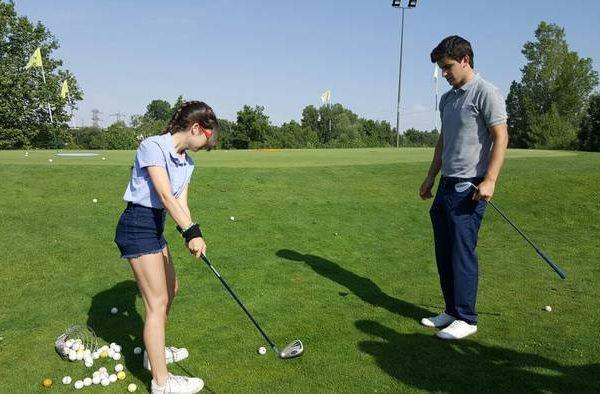Excursión a un campo de golf del grupo del curso intensivo de inglés de Salamanca