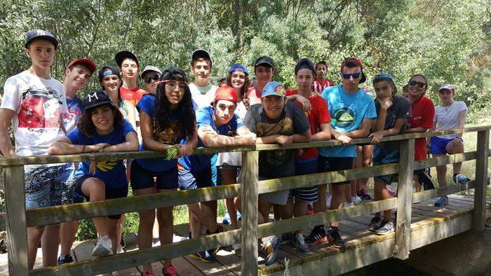 Ruta de montaña en el campamento con inglés en Salamanca