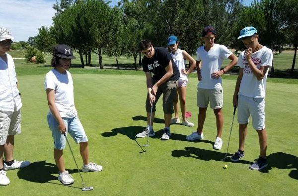 expertos golfistas nuestros alumnos del curso intensivo de inglés