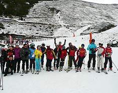 Curso completo de esqui para niños y familias en Peyragudes. Pirineo francés.