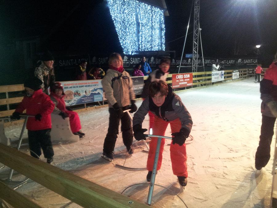 Actividades para niños con monitores todo el día en los diferentes cursos de esquí