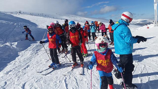 Cursillo de esqui los sabados en valdesqui