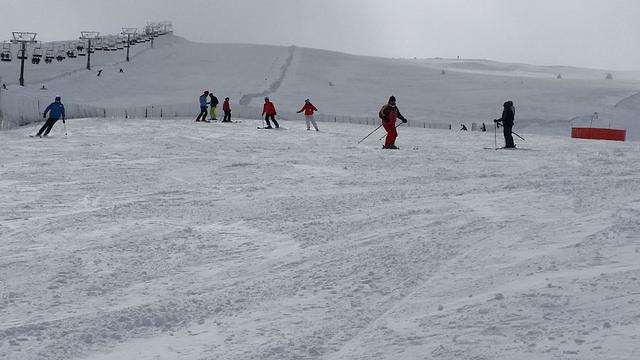 Cursillo de esquí, sabados en la estación de Valdesqui