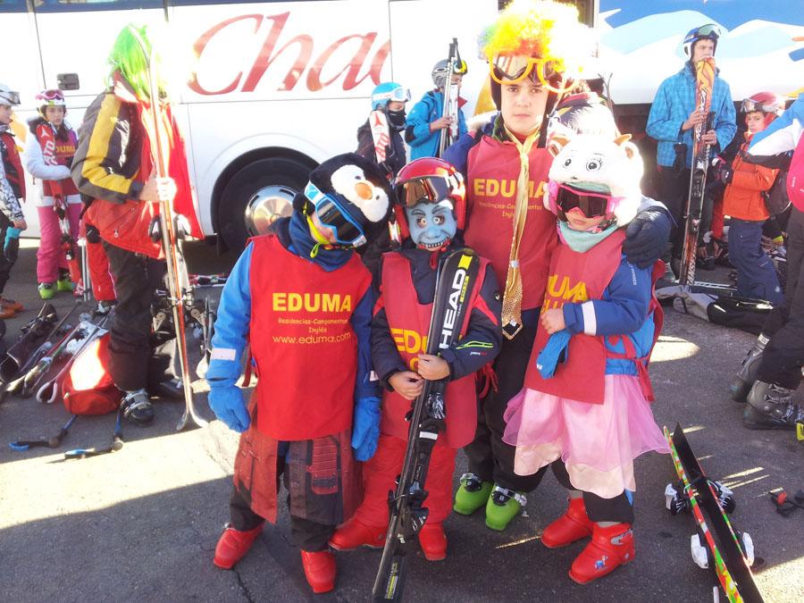 Carnavales en el curso de esqui de los sábados en Valdesqui