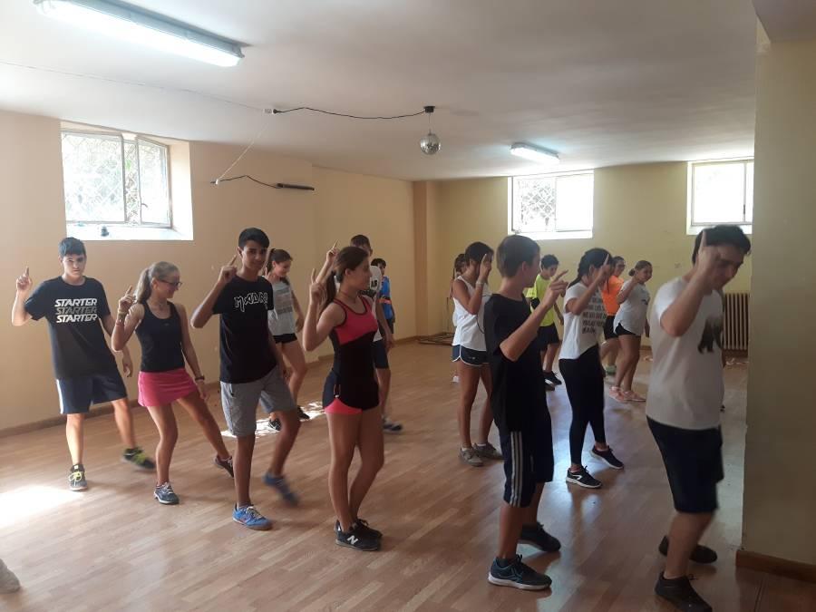 Clases baile Campamento con idiomas Salamanca
