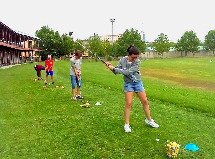Clases golf campamento inglés o francés Salamanca 2017
