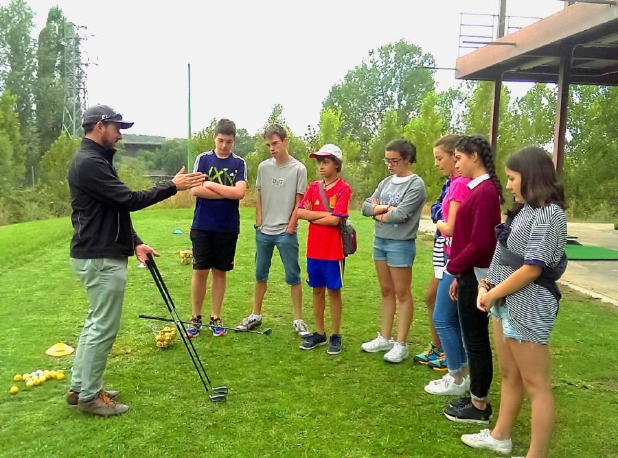 Clases golf campamento inglés o francés 2017